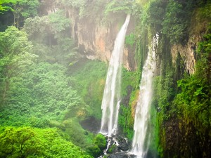 ekom-nkam-falls-cameroon